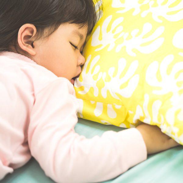 Schlafen in der Kita verbessern: Online-Kurs